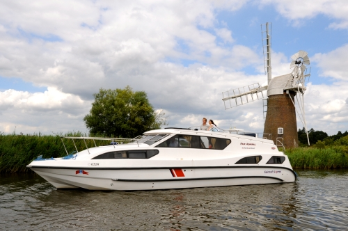Norfolk Broads Direct Fair Admiral