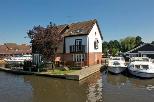 Holiday properties in Wroxham on the Norfolk Broads